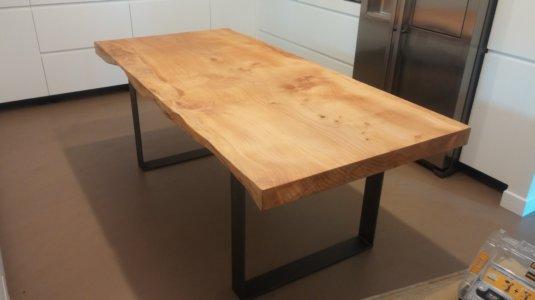 arch. montagna - durante - san felice (mi) - tavolo in cedro (1)